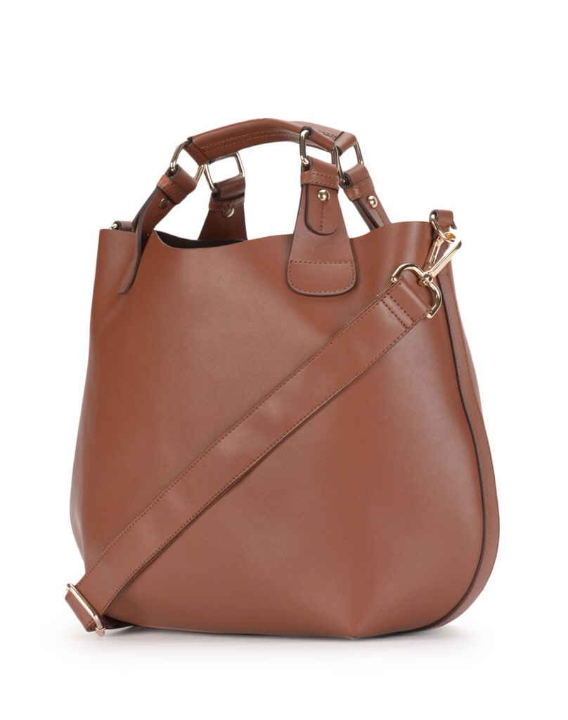 Danier, Danier Leather, Holiday wishlist, holiday wish list, bag, purse, handbag, tote, leather bag, Canadian designer, Canadian brand, Canadian retailer, shopping, retail, elana camille