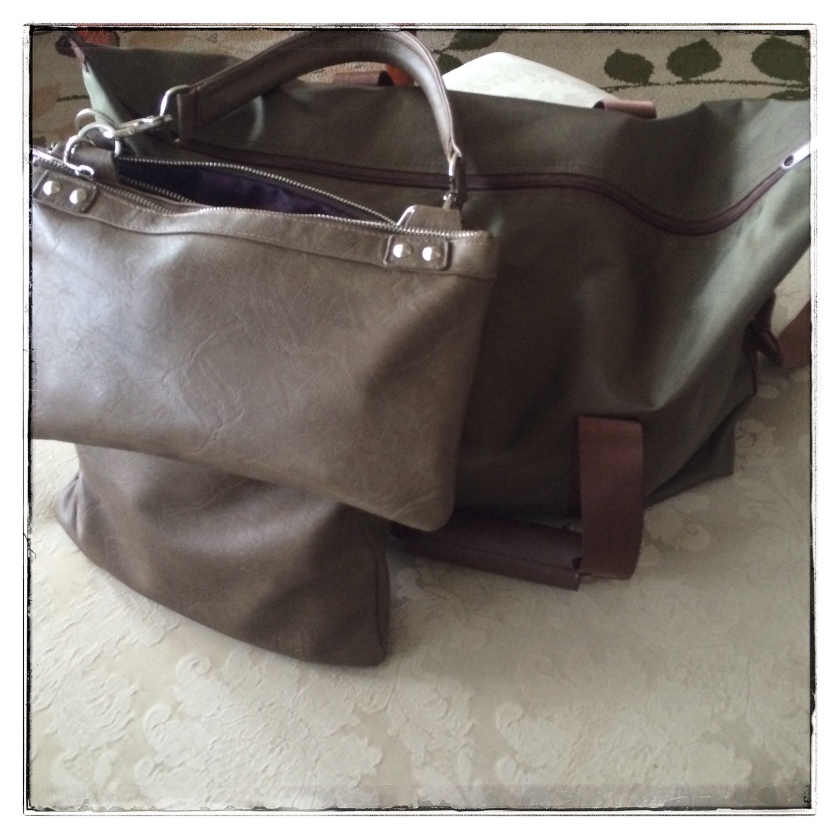 sullywong, nella bella brand, nella bella bag, bags, travel bag, travel purse, packed travel, airport style